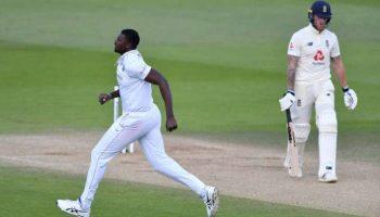 टेस्ट में कप्तान ने किया कप्तान को आउट