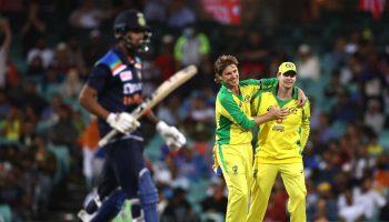 पहला वनडे रिव्यू - सिडनी में चला फिंच और स्मिथ का बल्ला, टीम इंडिया को झेलनी पड़ी हार