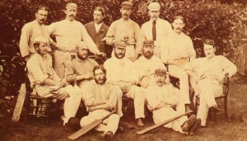 उस गेंदबाज के बारे में जानें जिसने टेस्ट क्रिकेट का पहला विकेट लिया था