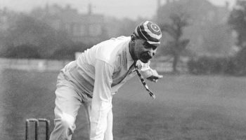 टेस्ट क्रिकेट की पहली हैट्रिक के बारे में जानें